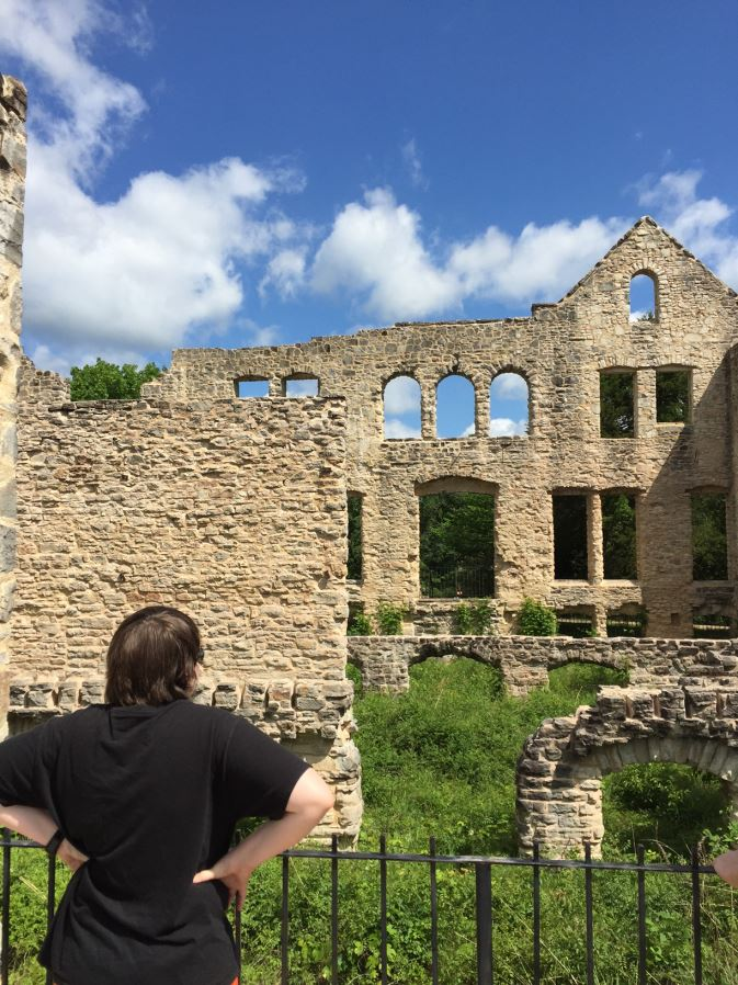 Road trip - Visiting a castle near Lake of the Ozarks
