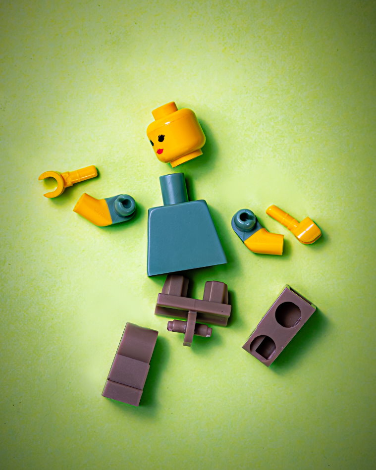 How to deal with a tough breakup Broken legos